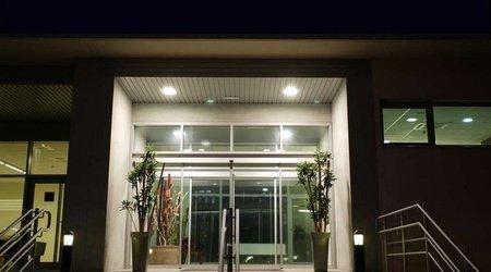 Eingangs ele hotelandgo arasur hotel rivabellosa
