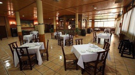 Restaurant hotel ele puerta de monfragüe malpartida de plasencia