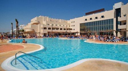 Schwimmbecken ATH Cabo de Gata Hotel