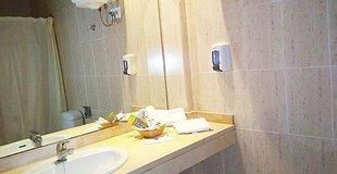 Doppelzimmer (2 erwachsene + 1 kind) mit zustellbett ele don ignacio hotel san josé, almería