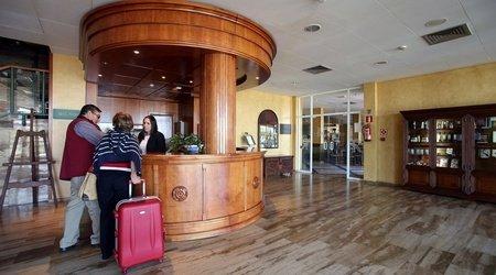 Rezeption hotel ele puerta de monfragüe malpartida de plasencia
