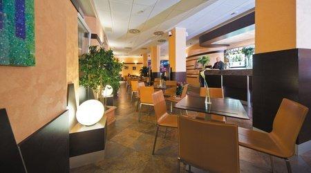 Coffee-bar ele green park hotel pamphili rom, italien