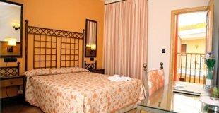 Doppelzimmer mit terrasse hotel ele santa bárbara sevilla
